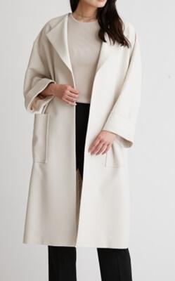 着飾る恋には理由があって川口春奈さんの衣装・白いコート