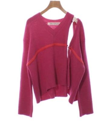 着飾る恋には理由があって川口春奈さんが着ていた濃いピンクのニット