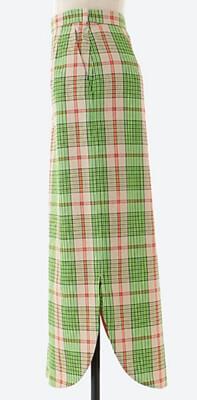 着飾る恋には理由があって川口春奈が1話で履いていた黄緑&チェックのロングスカート