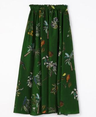 大豆田とわ子と三人の元夫・松たか子ボタニカル柄の緑のロングスカート