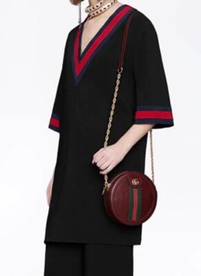 大豆田とわ子と三人の元夫・松たか子衣装・エンディングの赤と黒のトップス