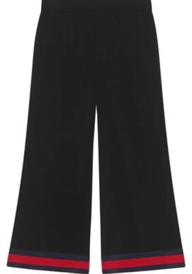 大豆田とわ子と三人の元夫・松たか子衣装・GUCCI(グッチ)の赤と黒のワイドパンツ